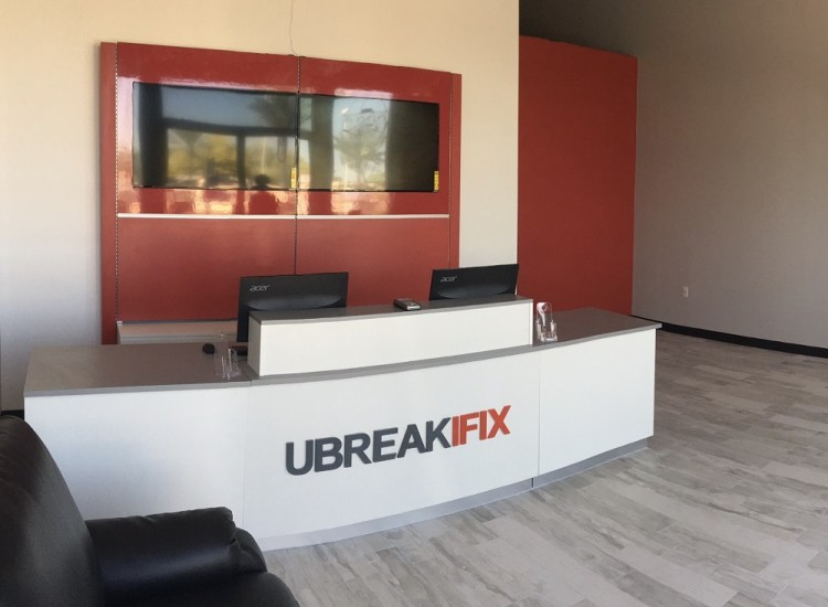 uBreakiFix Ahwatukee Store Photo 3