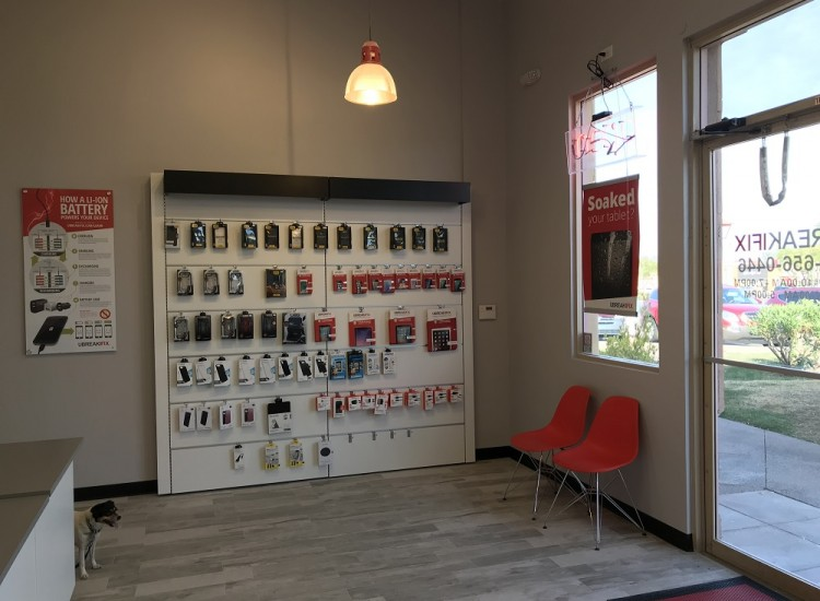 uBreakiFix Ahwatukee Store Photo 4
