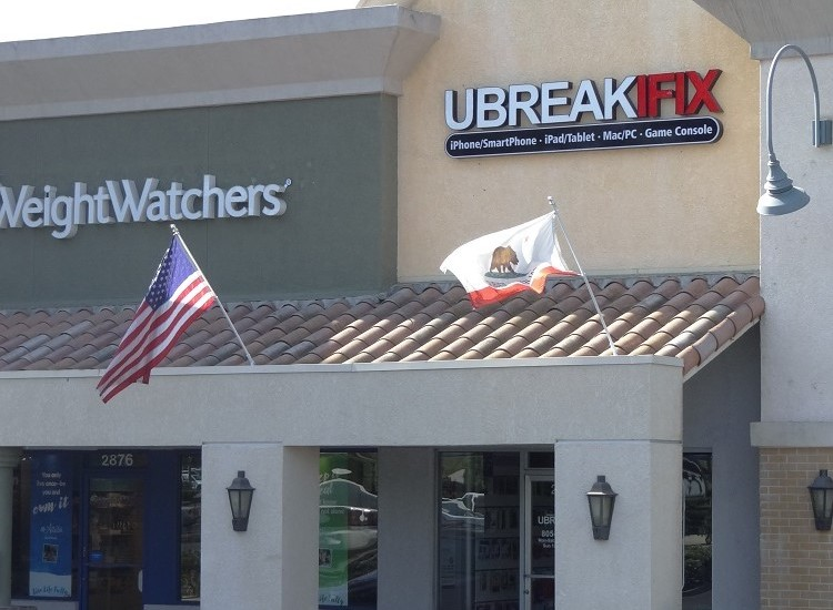 uBreakiFix Simi Valley Store Photo 4