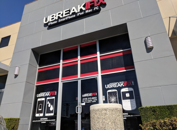 uBreakiFix Torrance Store Photo 2